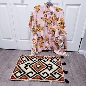 Umgee Pink Floral Tassel Trim Kimono Wrap